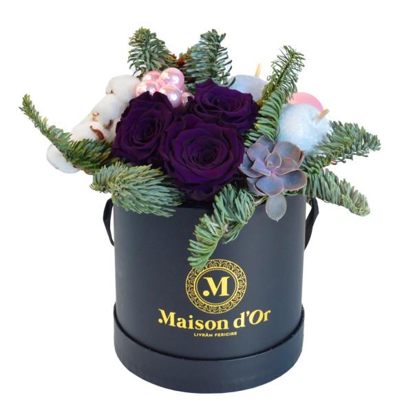 Christmas decorative arrangement with cryogenic roses