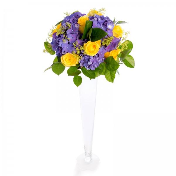 Hydrangea wedding arrangement, roses