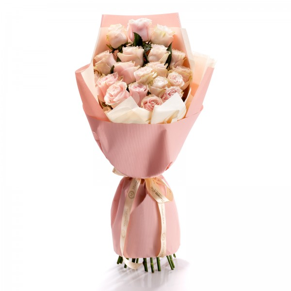 Romantic Thoughts Bouquet of Roses