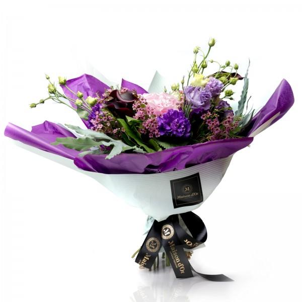 Bouquet lisianthus and calla