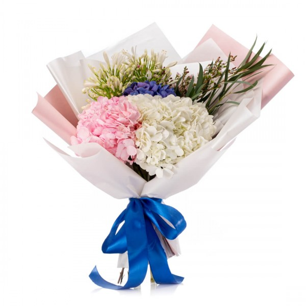 Bouquet of flowers with hydrangeas