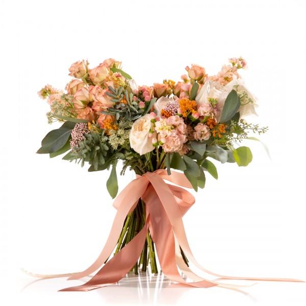 Charming bridal bouquet