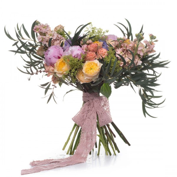 Bridal bouquet of vuvuzela roses and pink peonies