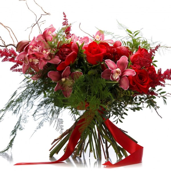 Bouquet of red roses and garnet peony