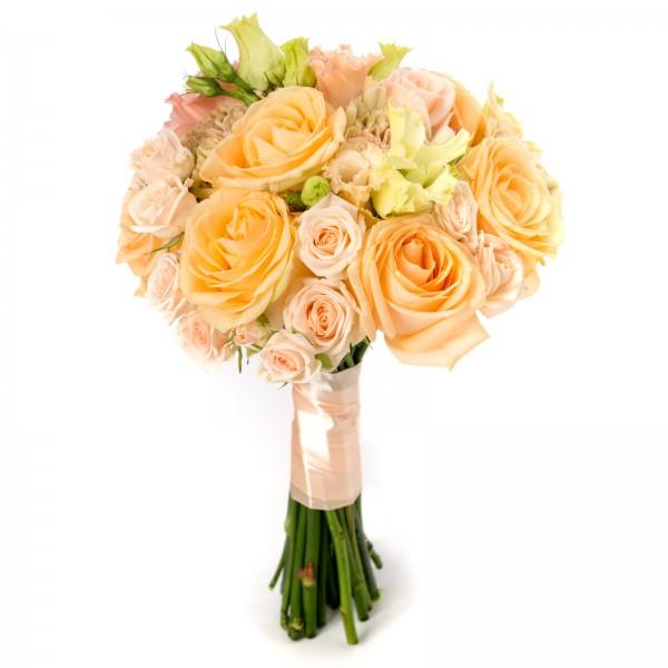 Lisianthus bridal bouquet
