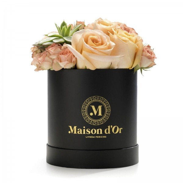 Box with mini rose and peach roses