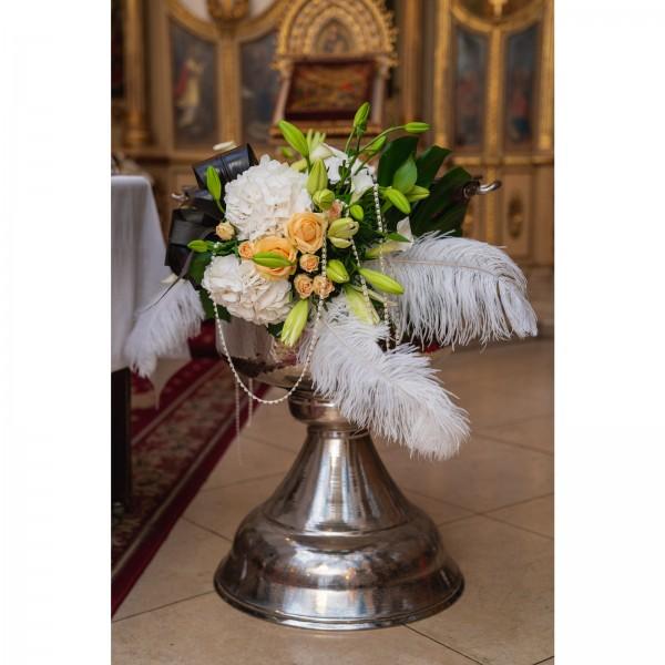 Hydrangea and lilies floral arrangement