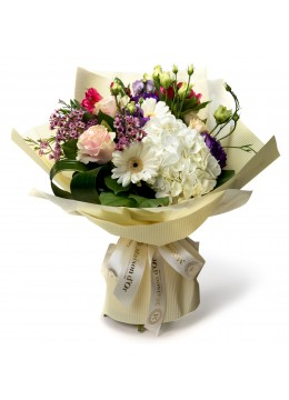 Bouquet of alstroemeria and hydrangeas