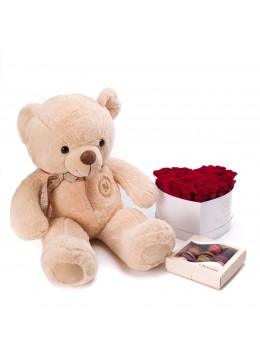 Cutie inima cu 23 trandafiri rosii, cutie cu 15 macarons si ursulet