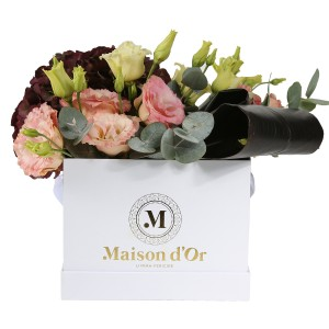 Box with lisianthus and hydrangea