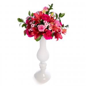 Aranjament floral de nunta din santini, trandafiri