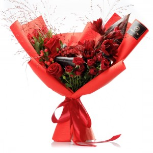 """Amour"" Flowers Bouquet"