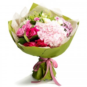 Bouquet of white freesias and pink roses