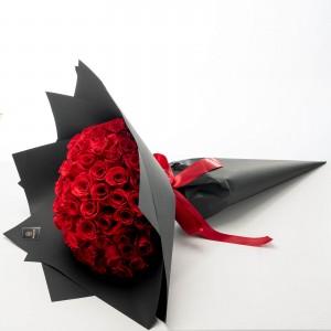 """Bcuhet de Trandafiri """"Deeply in Love"""""""