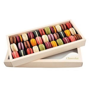 Box With Macarons 33 Pieces - By Chocolate