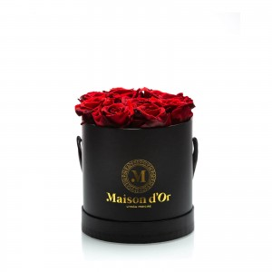 Cutie 9 trandafiri criogenati rosii