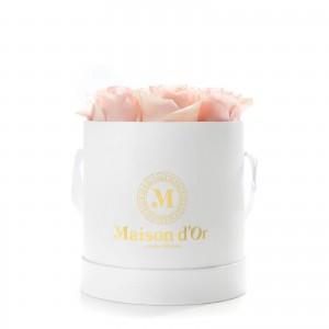 Cutie cu 9 trandafiri roz