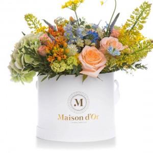 Box with roses, allium and white astrantia