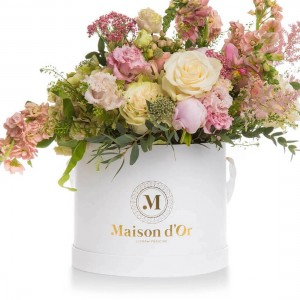 Box with astilbe, peonies and minirosa
