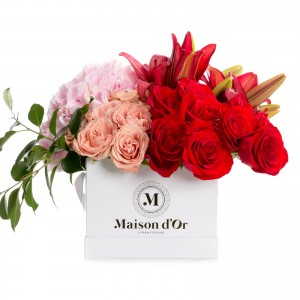Colectia Desire-cutie mare alba cu trandafiri si hortensie