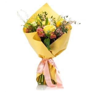 Buchet trandafiri, alstroemeria, lalele, frezii si garoafe