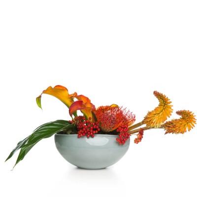 Aranjament floral cu cale si kniphofia uvaria