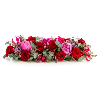 Aranjament floral prezidiu din trandafiri si bujori