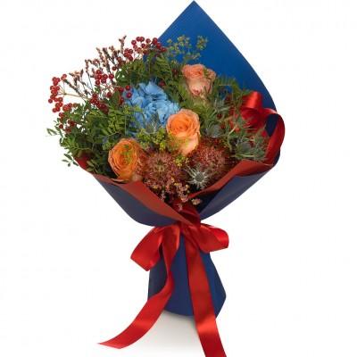 Buchet de flori hortensie si trandafiri peach
