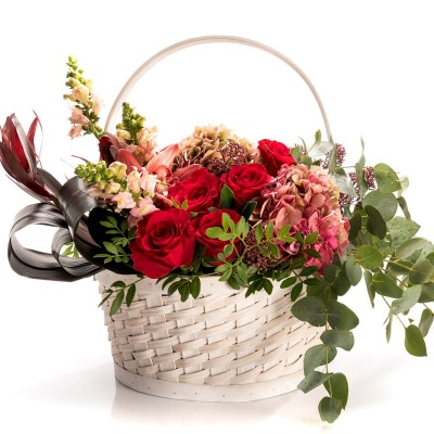 Aranjament floral in cos cu hortensie si Antirrhinum