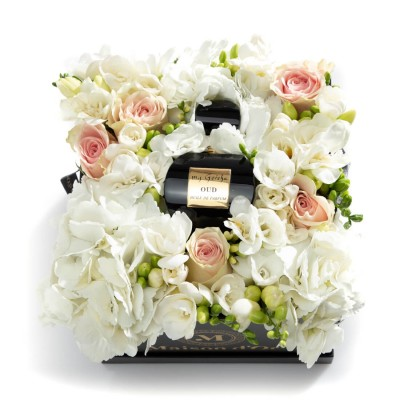 Cutie cu trandafiri, minirosa, frezii si Ulei de parfum Luxury Limited Edition - myGeisha