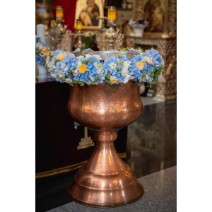 Ghirlanda Cristelnita Flori Hortensie Trandafiri vuvuzela gold
