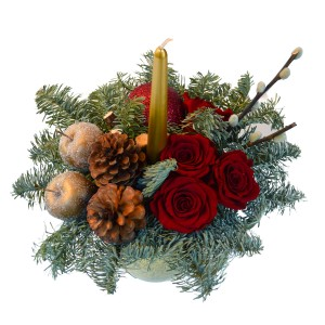 Christmas decorative arrangement with red cryogenic roses