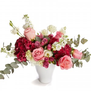 Floral arrangement with hydrangea and roses