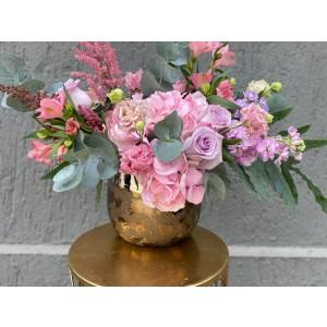 Aranjament floral cu hortensie, trandafiri si matthiola