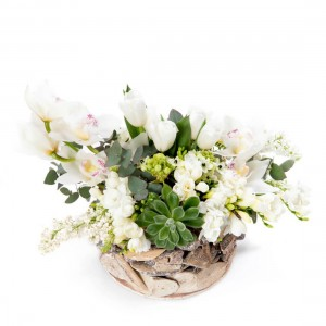 Aranjament floral in cos cu ornithogalum si lalele albe