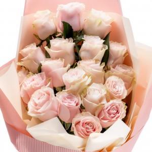 "Buchet Trandafiri ""Romantic Thoughts"""