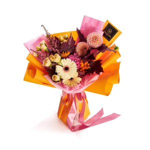 Bouquet of flowers with yellow roses and cream germs