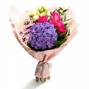 Buchet santini roz si trandafiri ciclam