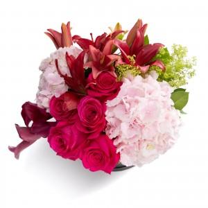 Colectia desire-cutie rotunda neagra cu trandafiri cicalmen si hortensie roz