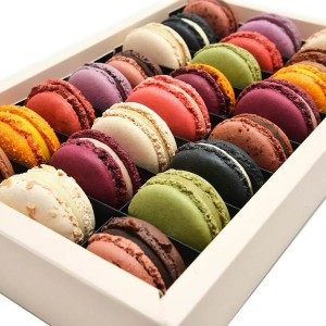 Box With Macarons 24 Pieces- By Chocolat