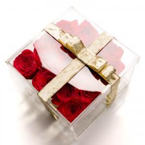 Cutie acrilica 15 trandafiri rosii
