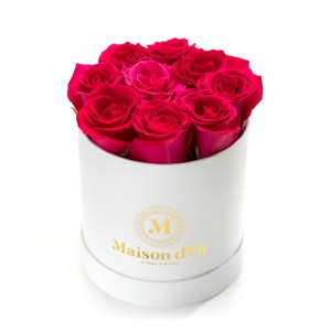 White box with 9 cyclam roses