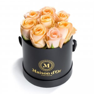 Box of 9 peach roses